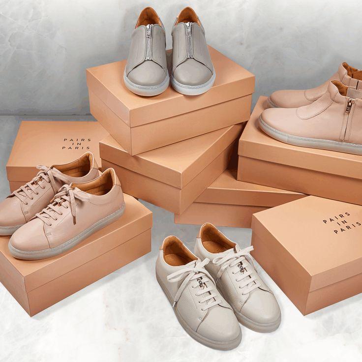 Puristisches Design, zeitlos schön: Das im Jahr 2013 in Paris gegründete Label PAIRS IN PARIS hat sich auf Sneakers in Highend-Qualität spezialisiert. Die sportiven Damenschuhe aus feinstem Leder überzeugen bei jedem einzelnen Schritt, diesen abgefederten Komfort und das sorgfältige Handwerk fühlt man.