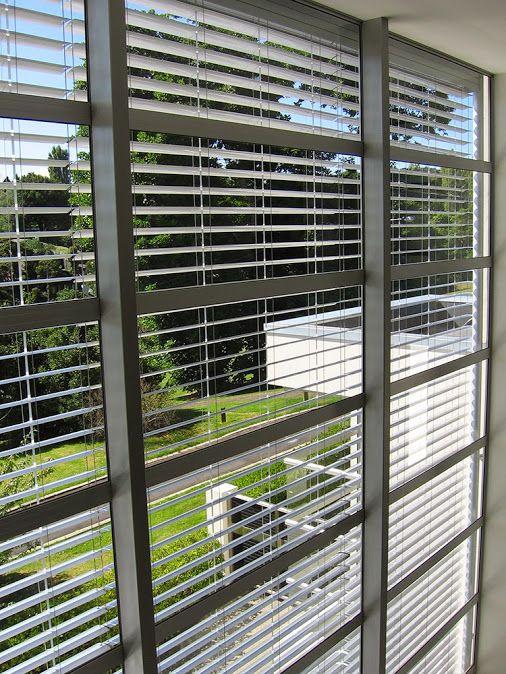 Încercaţi elegantele #Jaluzele orizontale de exterior pentru umbrire a interioarelor dumneavoastră.. www.jaluzele-pvc.ro