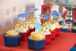 """Airplane Paper / Anniversary """"Primo anno Heitor"""" 