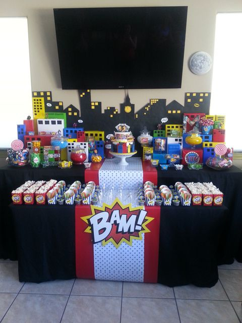 Superhero Comic Party | CatchMyParty.com: The Superhero table