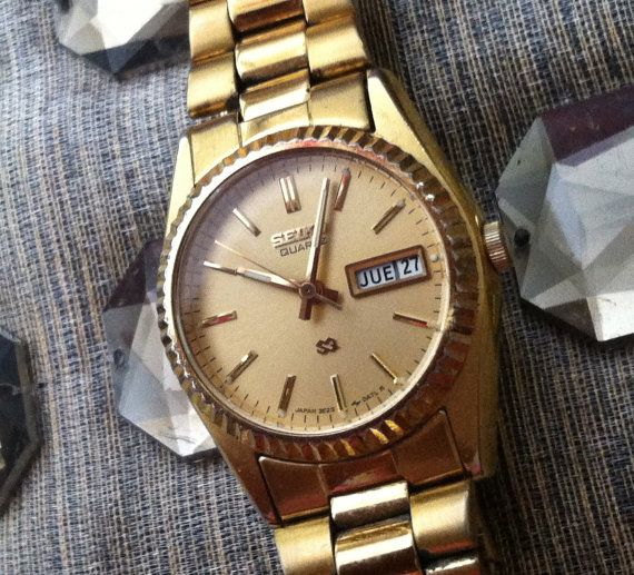 Seiko Gold Watch Time Date English Spanish by JujubefunnyFinds, $54.95