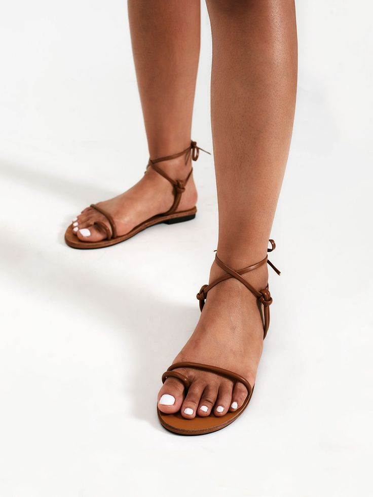 Shop Knot Design Toe Ring Flat Sandals online. SheIn offers Knot Design Toe Ring Flat Sandals & more to fit your fashionable needs.