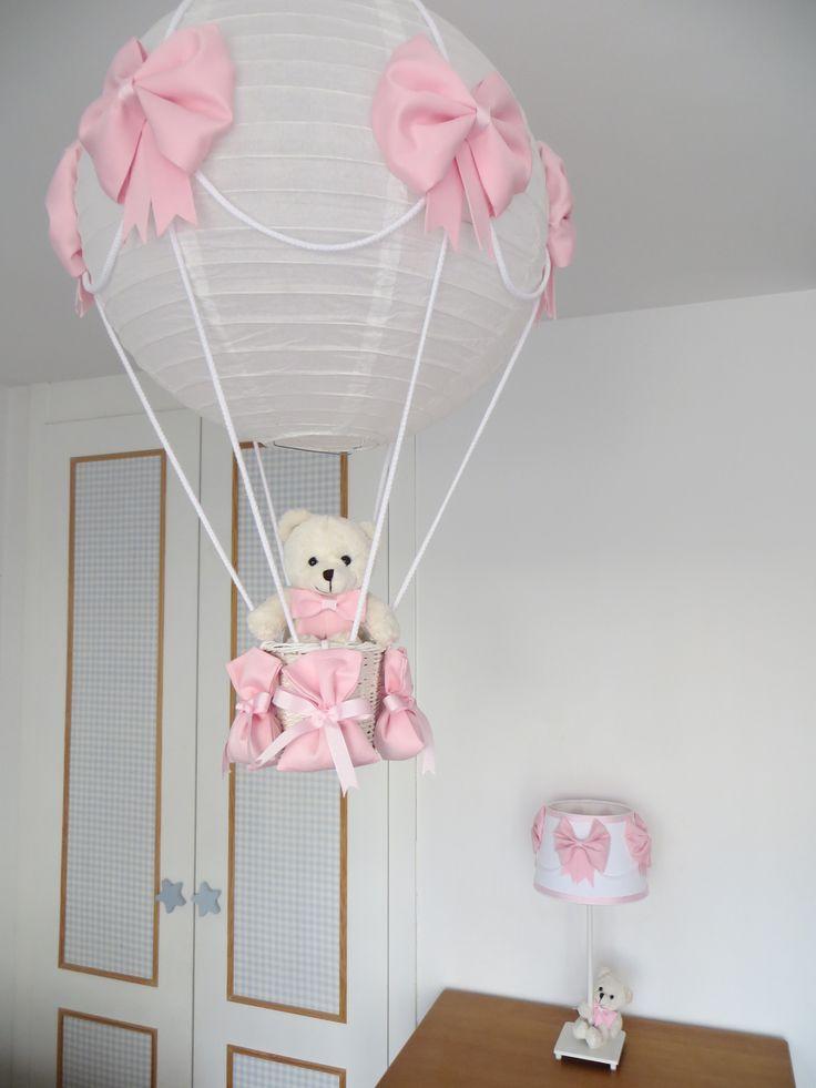 lámpara globo y de mesilla rosa con osito