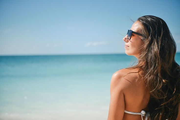 🌞 Keeping your #skin protected from the sun will keep it looking fabulous for years to come. How do you protect your skin from sun damage? 🌞