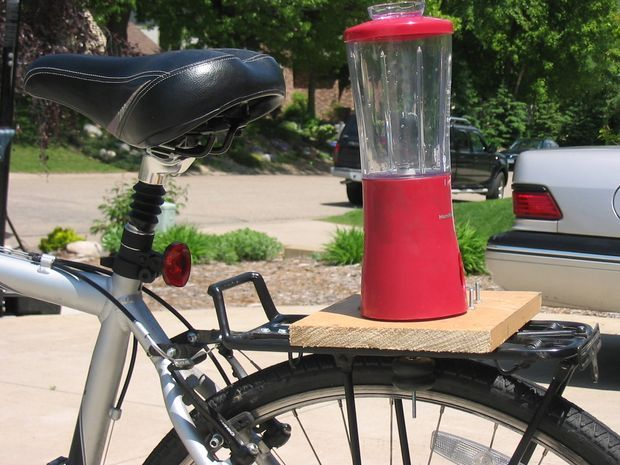 I love biking. I also love smoothies. That's why I was really excited when I read about the B3 mini from rock the bike in Make 11. However, upon visiting their...
