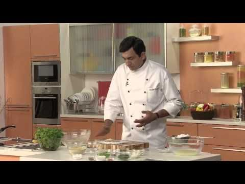 Thalipeeth, The Yellow Chilli Style - Festive Recipe by Chef Sanjeev Kapoor