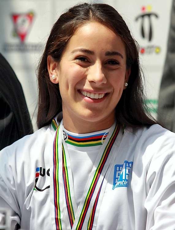 La piloto colombiana Mariana Pajón terminó segunda en la TT Superfinal de la Copa Mundo UCI BMX Supercross en Argentina. La gran triunfadora fue la británica Shanaze Reade. Más información en www.mcldeportes.com
