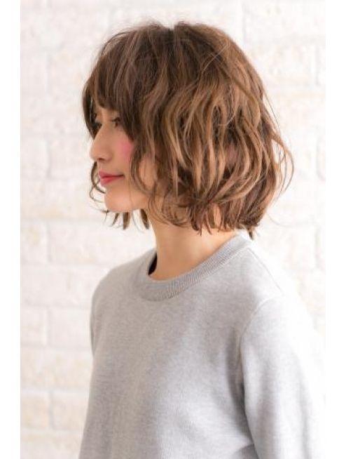 ヘアーアート シフォン 池袋東口店(Hair art chiffon)似合わせカットで個性的斜めバングで大人モードナチュラルボブ