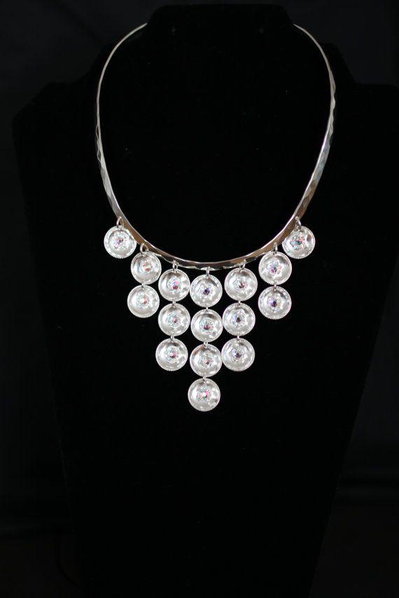 Klave i sølv med håndlagde løv og innfelte swarovski krystaller - chocker in silver