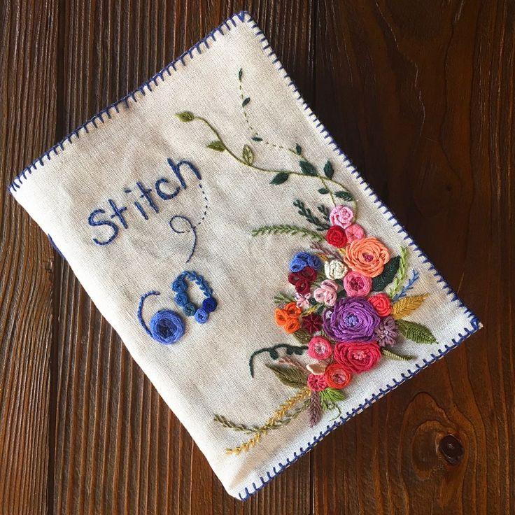 """781 Likes, 27 Comments - 진해.창원.마산 앨리의프랑스자수/리본자수 (@alley_embroidery) on Instagram: """"-2017/06/11 요즘  새로운 스티치북 만들면서 예전것을 들여다봅니다 그땐 무조건 열심히 했었고 지금은 알고하니 더 어렵습니다  그치만... 분명 변화가 있겠지요~ . .…"""""""