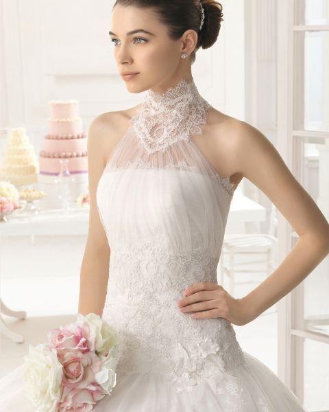 Resultado de imagen de vestidos de novia con cuello alto o tipo cisne