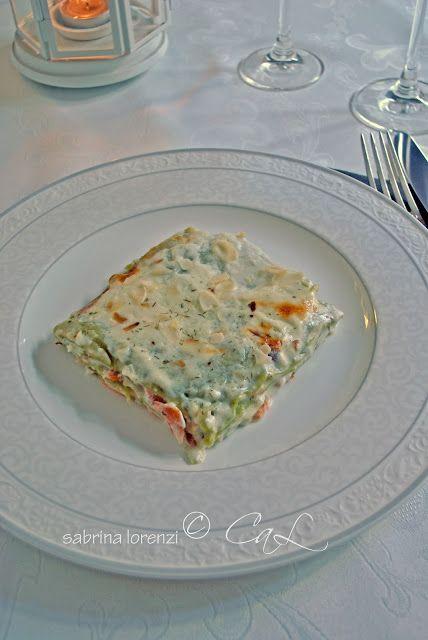 Lasagne verdi con besciamella,mandorle e trota salmonata affumicata--