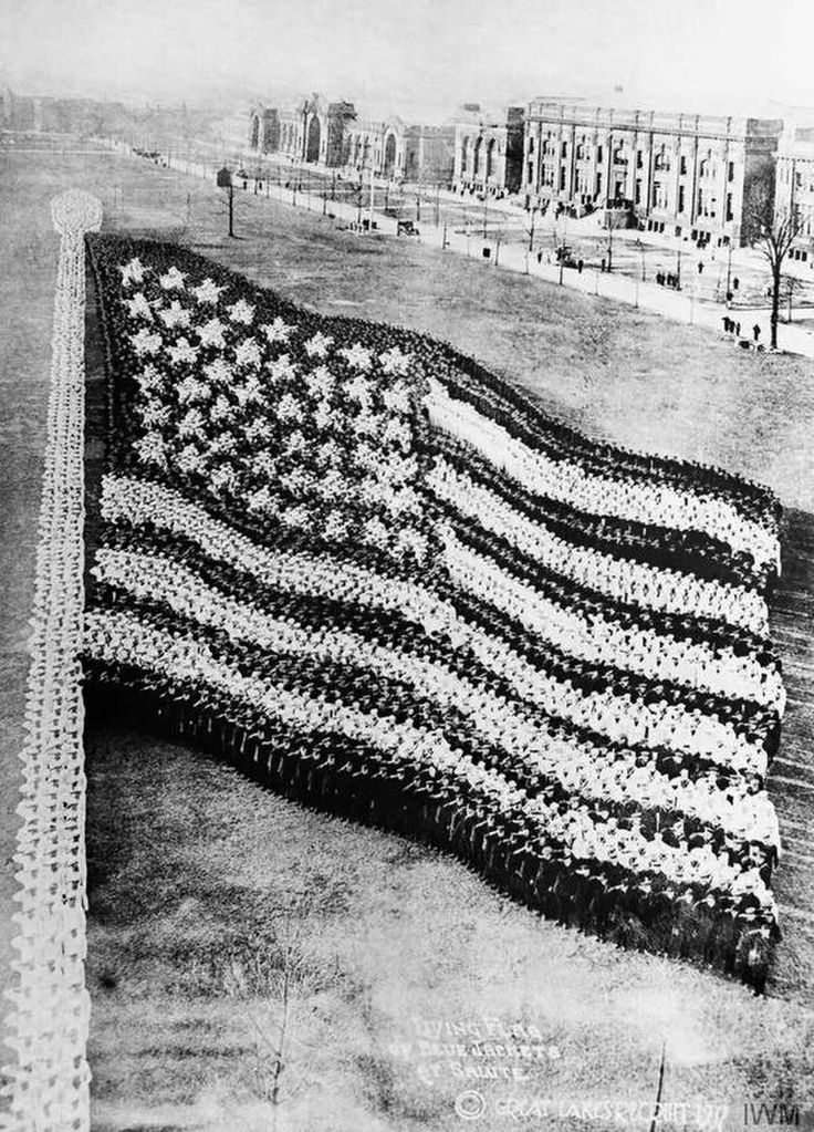 American flag formed by 10,000 sailors in 1917.  Photo