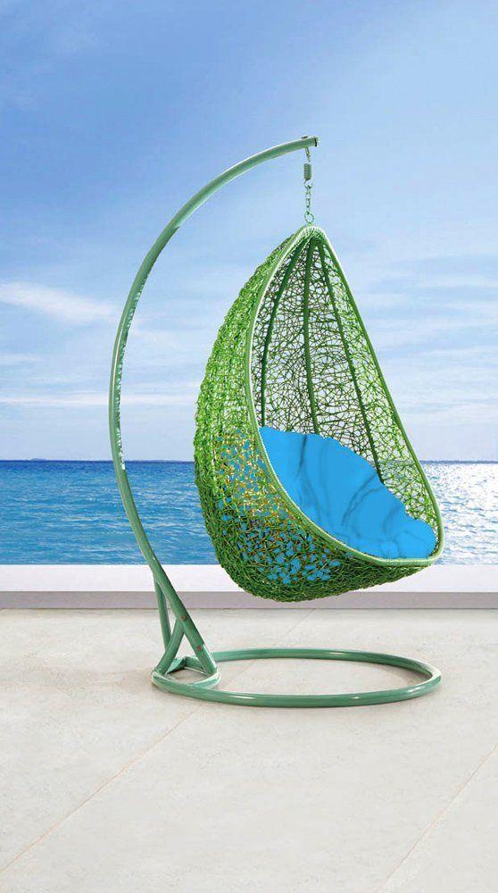 Egg Shaped Hanging Chair. Mooie Combinatie Blauw Met Groen. #hangstoel  #interieur #