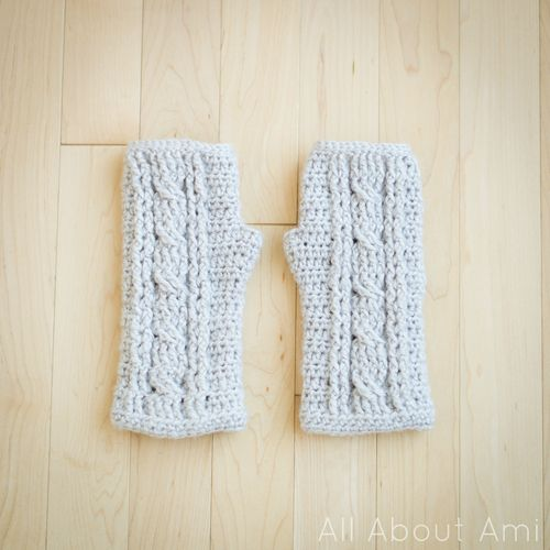 Cabled Wrist warmers-free pattern Crochet Pinterest