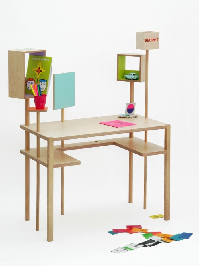 La forêt des boîtes, scrivania per bambini diMatali Crassetprodotta daBalouga  Foto diMarie-Pierre Morel