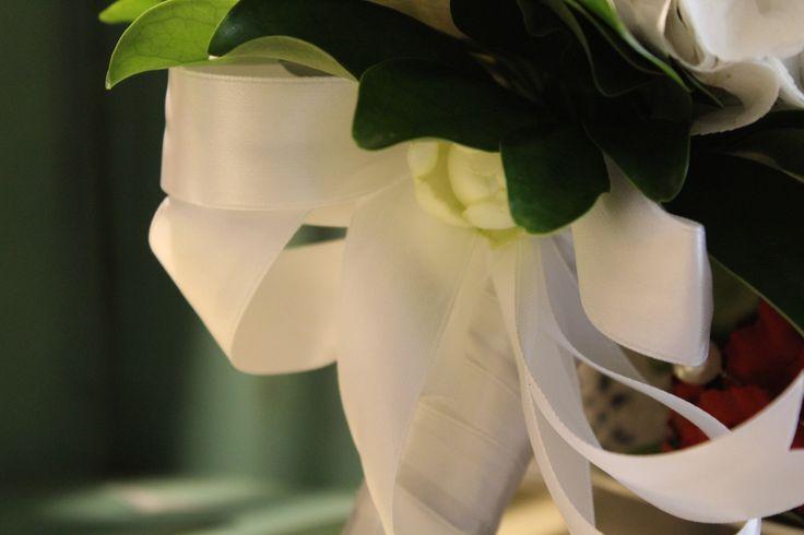 #corflor #ortensiebianche #margheritebianche #dettagli #comunioni #bouquetpercomunioni www.corflor.it
