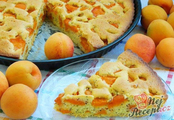 Meruňkový koláč (bublanina) s mákem | NejRecept.cz