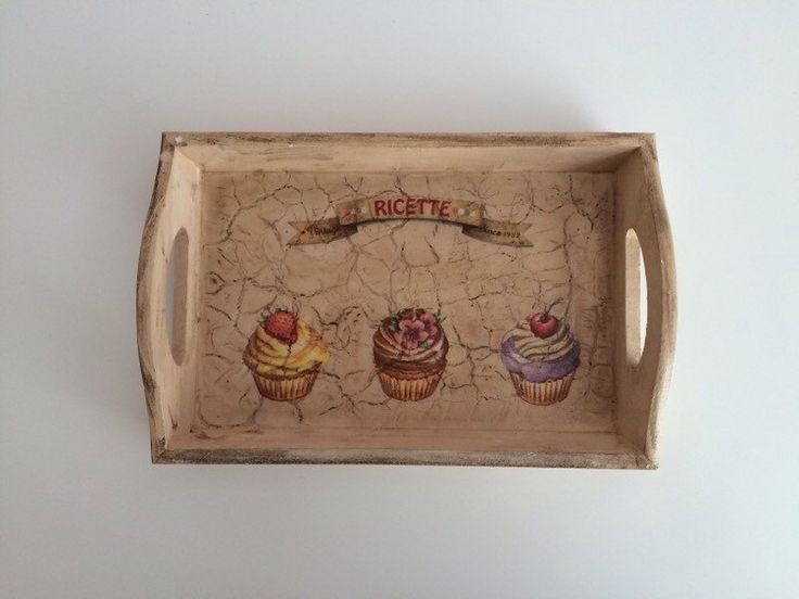 Tray with Decoupage Crackle Cupcakes by MiseEnBoite on Etsy https://www.etsy.com/listing/205873986/tray-with-decoupage-crackle-cupcakes
