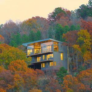 Wesley+Walls+embeds+multi-level+home+into+forested+Arkansas+hillside