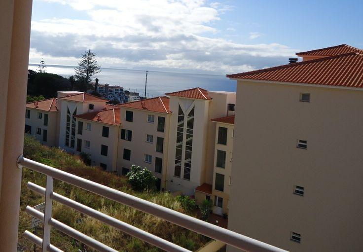 Apartamento T2 para Venda...  no Caniço de Baixo, próximo à praia, no último piso, preço negociável 109.000€ venha visitar, ligue 963701529 Teresa Caires