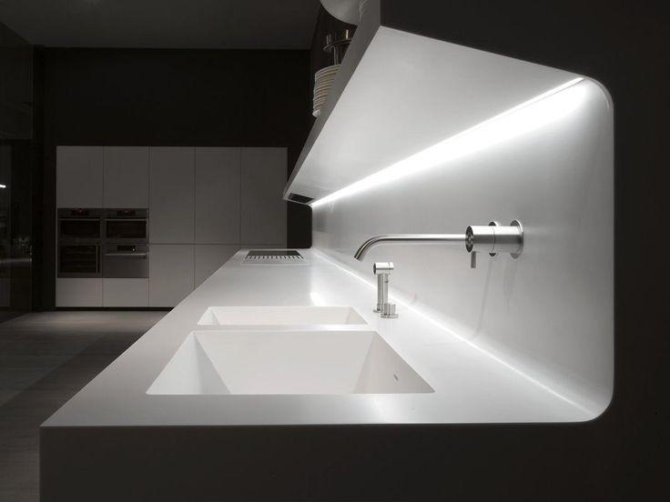Cuisine linéaire suspendue en Corian® LACUCINA by Antonio Lupi Design® | design Marco Casamonti, Archea Associati