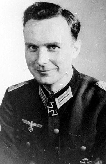 ✠ Axel Freiherr von dem Bussche (April 24th, 1919 - January 26th, 1993) RK 07.03.1944 Hauptmann Kdr I./Gren.Rgt 9 23.Infanterie-Division