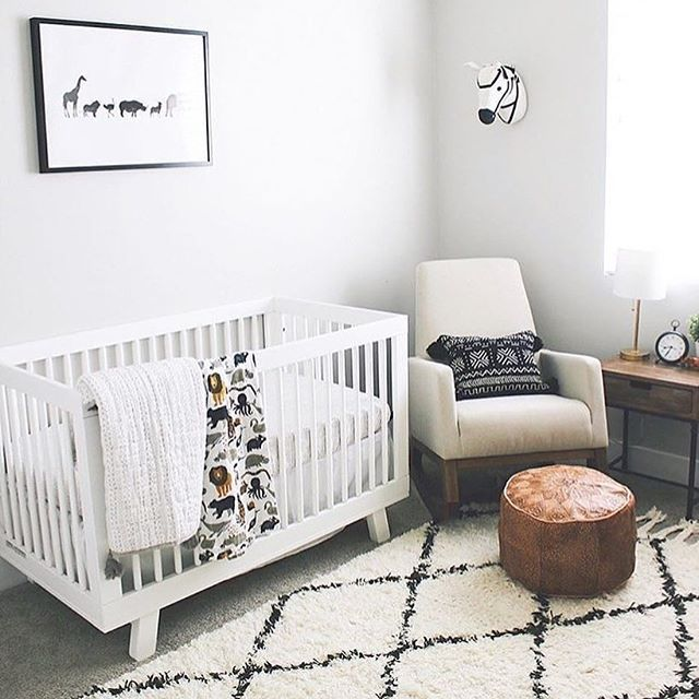 Simple And Sweet Nursery Love All These Clean Lines And Animal Decor Image By Tiffstephenson Modern Boy Nursery Baby Nursery Decor Simple Baby Nursery