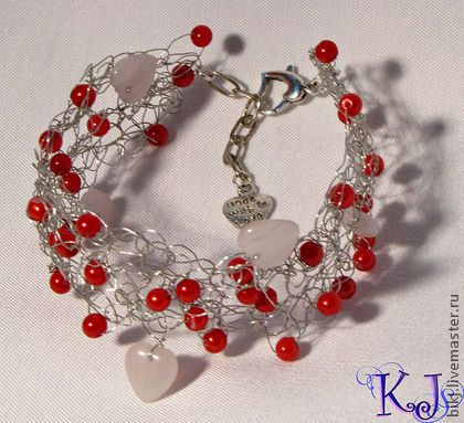 Handmade bracelet. Beads and stones.