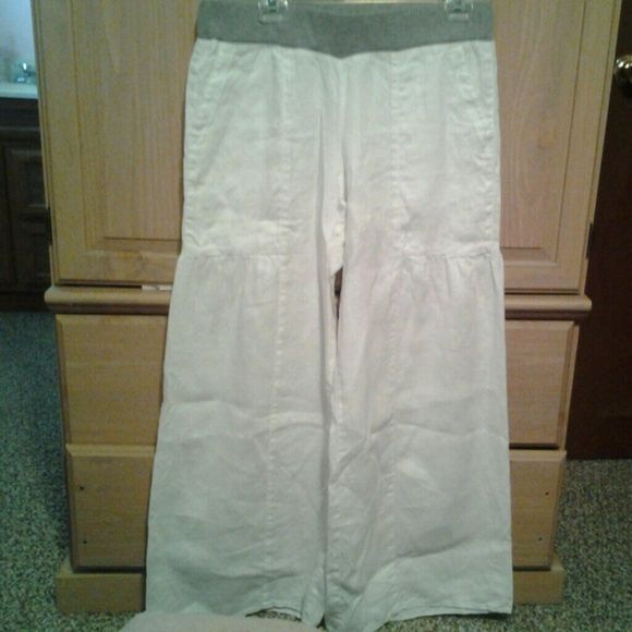 White wide leg pants New never worn white wide leg pants. Has gray waist band that is stretchy ivy jane Pants Wide Leg