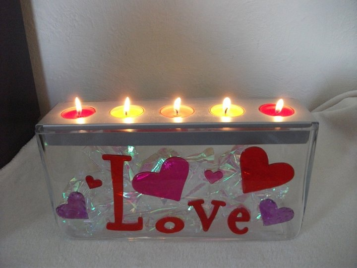 "https://duftparty.partylite.de/Shop/ Partylite Customizable Centerpiece decorated for Valentine's Day with iridescent ""tissue"" paper from the Dollar Tree and gel clings."