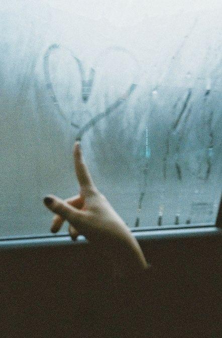 desenhar o amor no vidro embaçado da volúpia