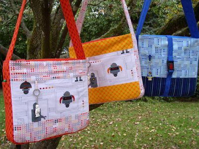Lego Tote tutorial by Mo Bedell for Sew,Mama,Sew!Mama Sewing Sewing, Messenger Bags, Gift Ideas, Sewmamasew, Totes Bags, Lego Bags, Well Well Mama, Lego Totes, Little Boys
