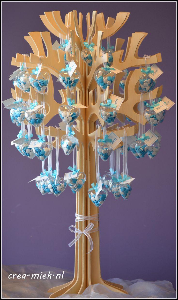Presentatieboom met plexi hartjes