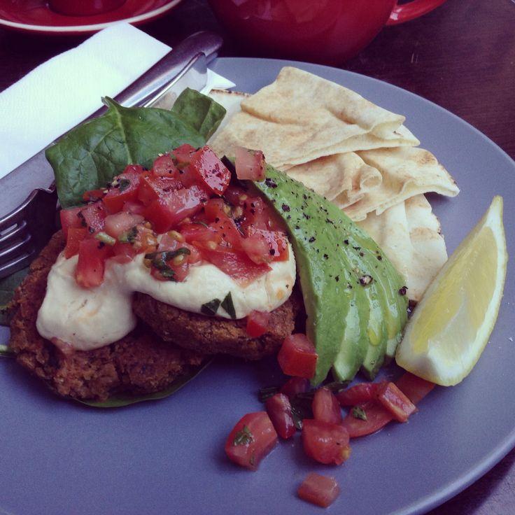 My obsession! Lentil fritters, hummus, tomato salsa, avocado, baby spinach, pita bread, lemon wedge - YUM #vegan