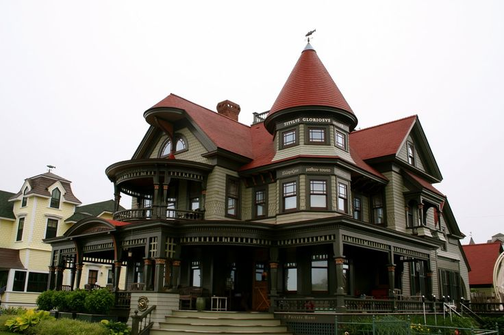 1000 images about gingerbread trimmed on pinterest for Queen anne victorian
