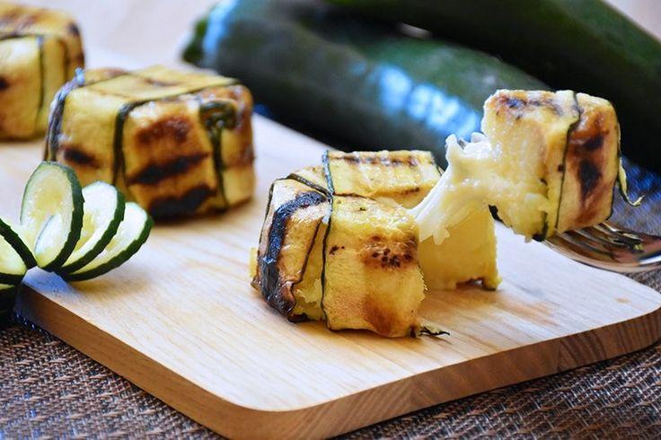 Il tortino di patate e zucchine saprà stupire tutti per la sua semplicità ma anche per il suo aspetto elegante. Ecco la ricetta ed alcune varianti