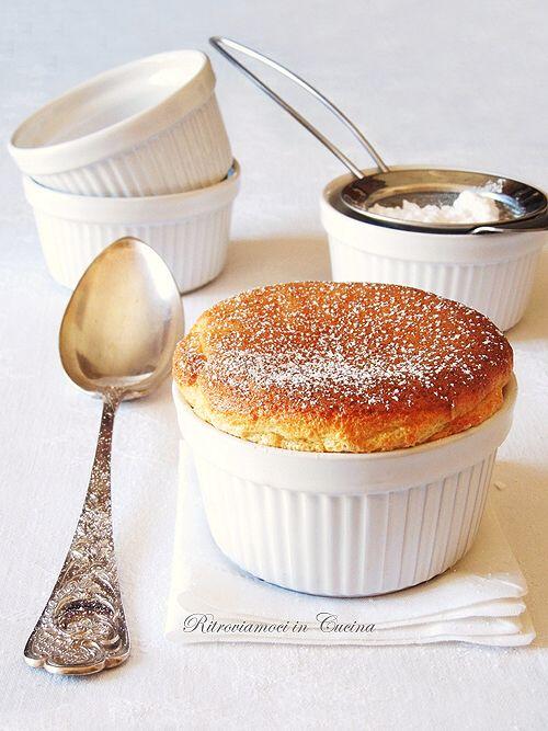 Ritroviamoci in Cucina: Soufflé à la Vanille (e poesia alimentare)