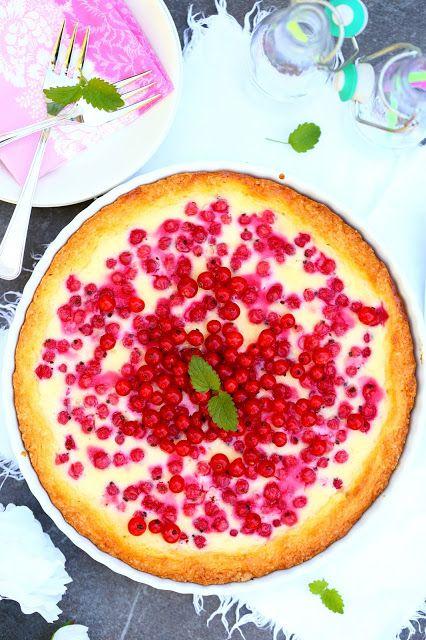 Suklaapossu: Jogurtti-punaherukkapiirakka