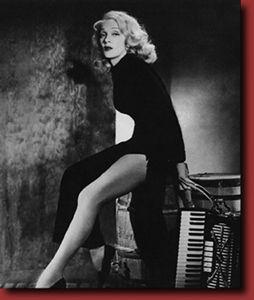 "Marlene Dietrich - Was known for her ""bedroom eyes.""Legendary Beautiful, Inspiration, L B Vintage Legs, Dietrich Legs, People, Hollywood Fabulous, Lbvintag Legs, Marlene Dietrich"