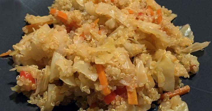 Λάχανο σωτέ με κινόα - Sauteed cabbage and quinoa salad