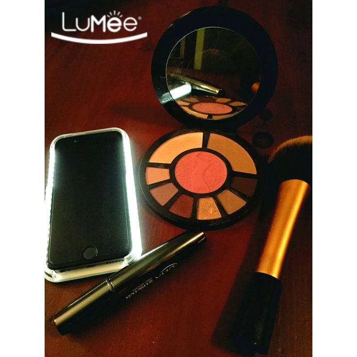 The #LuMeeCase pairs well with makeup or a natural look. Makeup or not, you'll always look your best with the LuMee case - the smartphone case that lights up your face!