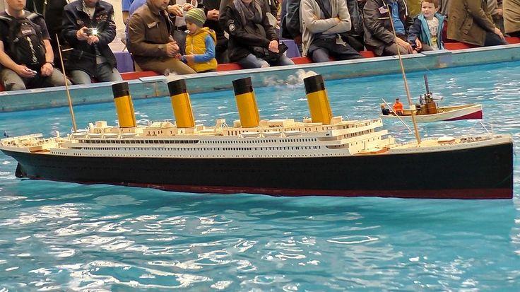 GIGANTIC RC TITANIC SCALE MODEL SHIP ON THE POOL / Intermodellbau Dortmu...
