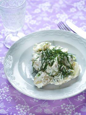 Sommer kartoffelsalat Cremet og fedtfattig kartoffelsalat med smag af sommer fra Familie Journals Slankeklub