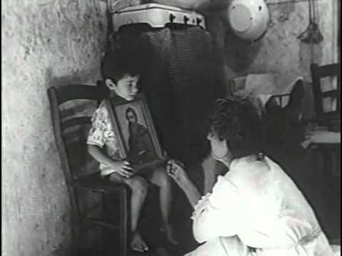 """""""La Taranta"""", del 1962 è uno stupendo documentario di Gianfranco Mingozzi sulla storia della Taranta. Le immagini sono del 1959 e sono state girate dall'equipe dell'antropologo Ernesto De Martino, grande studioso del fenomeno del Tarantismo e del Salento."""