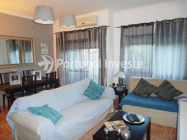 Sala, Vende-se apartamento T3, Pragal, junto Bento Gonçalves - Portugal Investe
