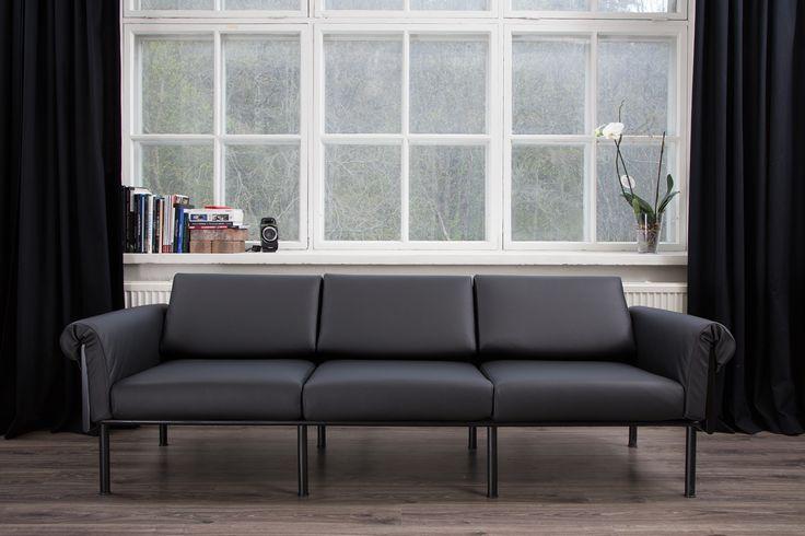 Yrjö Kukkapuro Ateljee-sohva Upholstered by Anu-Riina