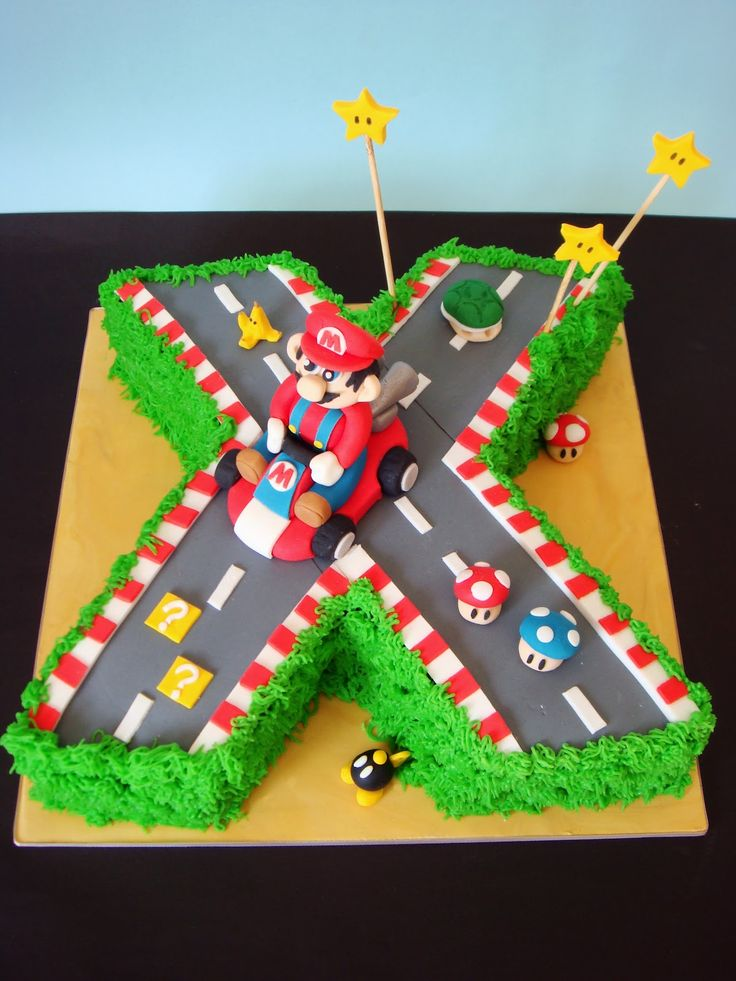17 best images about mario kart bday cakes on pinterest for Mario decorations