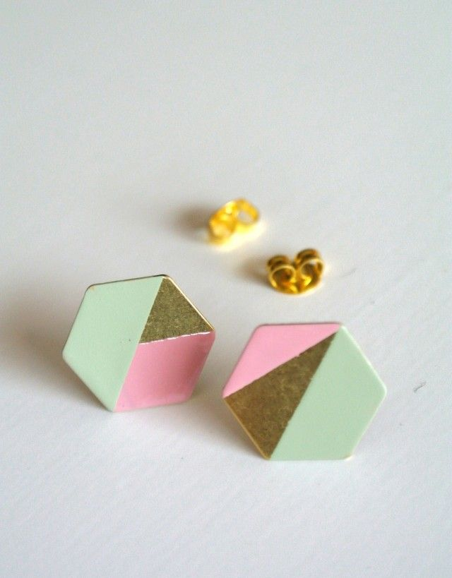 Hexagon - earrings, brass/mint/pink - Geometric - TEMA #ochform #earrings #pastels #hexagon #jewellery #jewelry #geometric #nordicdesign #nordicdesigncollective #nordic #scandinavian #designers