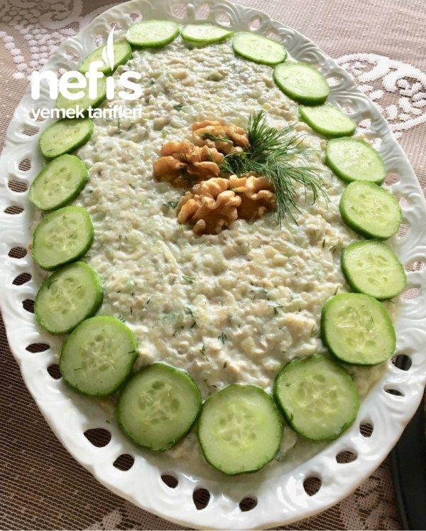Salatalıklı Kabaklı Yaz Salatası Tarifi nasıl yapılır? 247 kişinin defterindeki bu tarifin resimli anlatımı ve deneyenlerin fotoğrafları burada. Yazar: Şeymanur Şahin